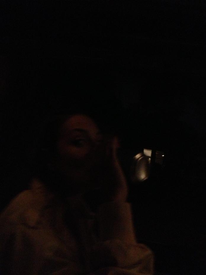 It's dark in da klub.