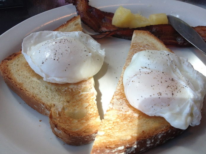 <3 poached eggs