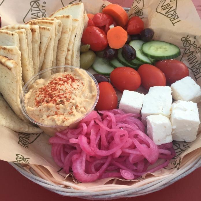 Hummus plate (basket)